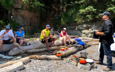 Social Connections: Foraging and Dining in the Outdoors