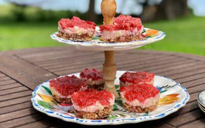 Strawberry Rhubarb Mini Cheesecakes