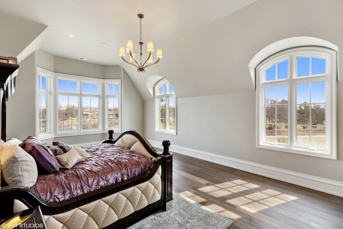 EnclaveCt-Master-Bedroom2