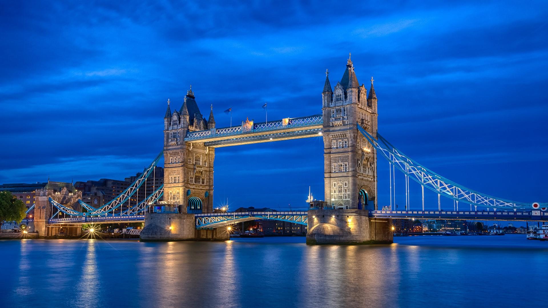 England-London-city-night-river-Thames-Tower-Bridge-blue-sky-lights_1920x1080