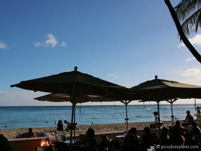 Beachfront Restaurants in Waikiki - Moana Surfrider Beach Bar