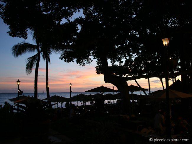 Beachfront Restaurants in Waikiki - Beachhouse at the Moana