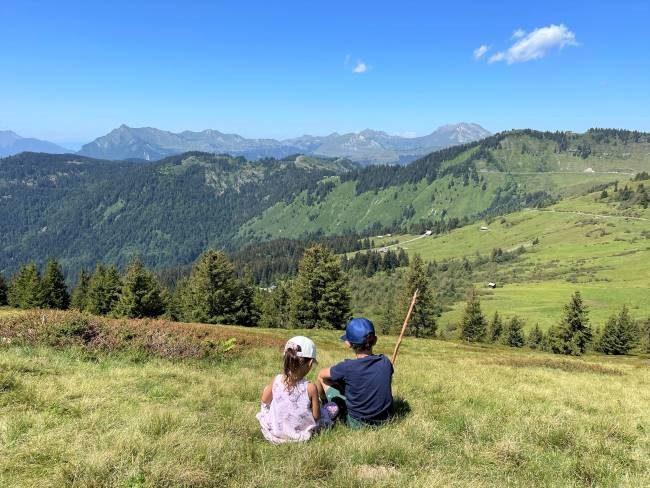 Family hike Morzine France
