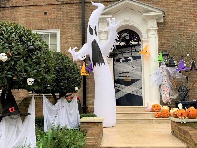 Holland Park Halloween House Decorations