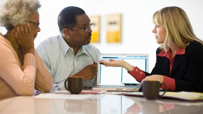 How to Find Right Financial Advisor for Retirement Years photo