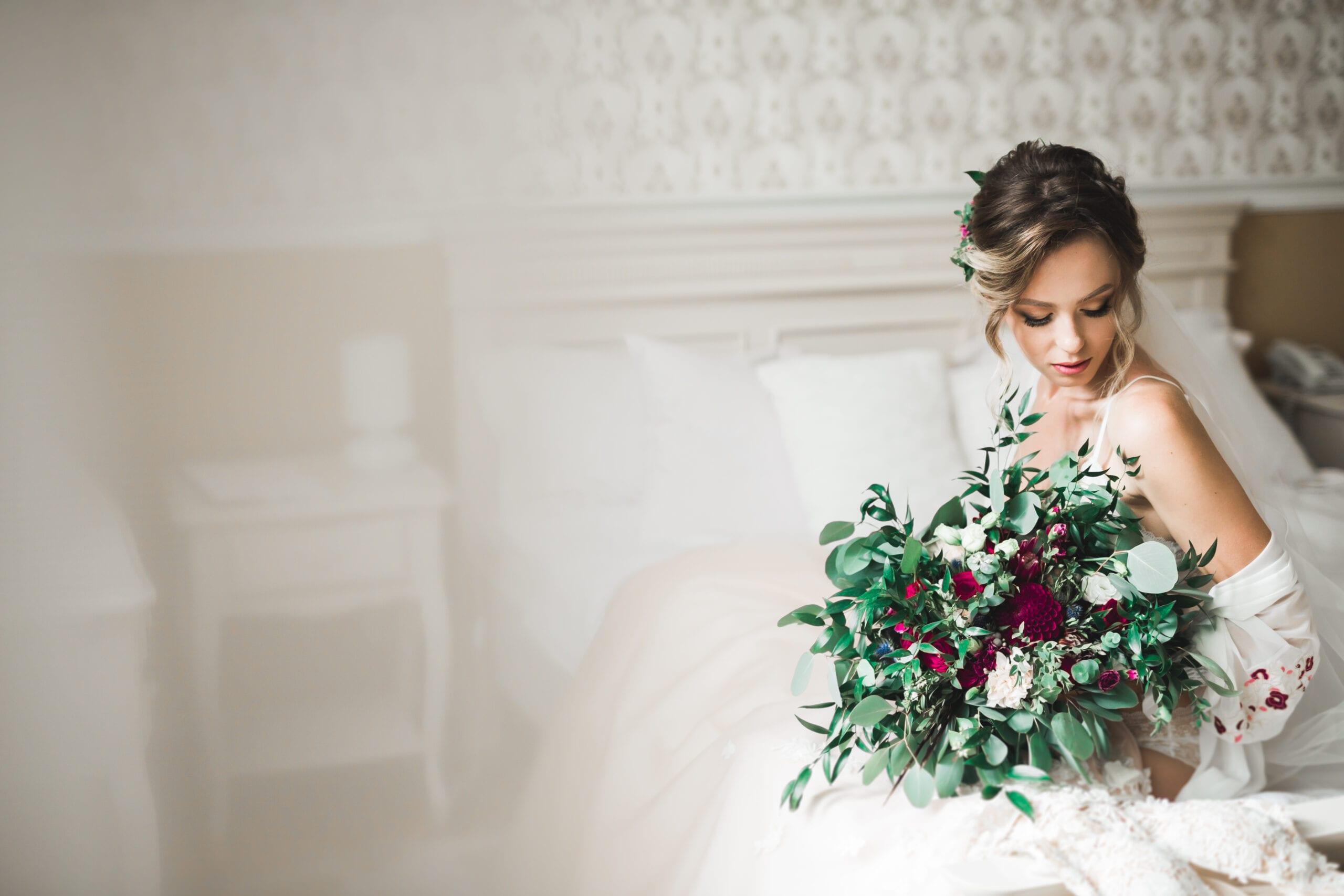 3 Best Ways to Share Wedding Photos