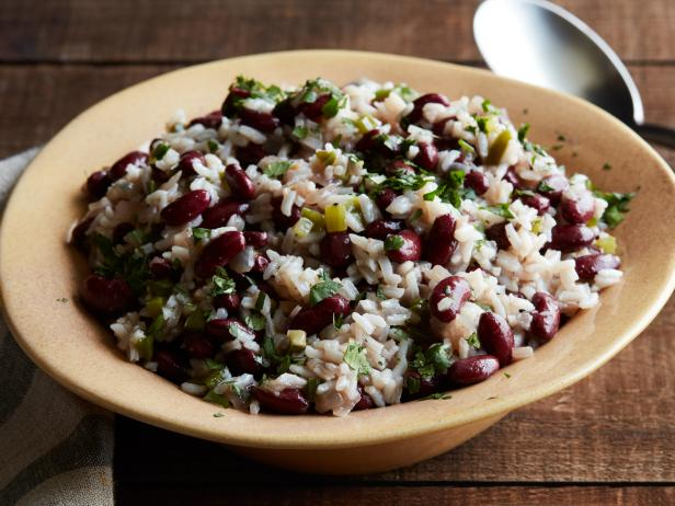 Garlic Rice and Black Beans, a Flavorful Side Dish Companion!