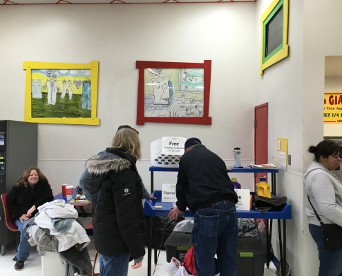 Signing up for the Wednesday April 6 2016 Free Laundry event at Laundromania in Davenport, Iowa