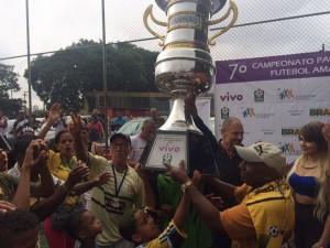 Ouro Preto festejando o título da Copa Paulista de Futebol Amador Foto: Diego Cunha/FCS