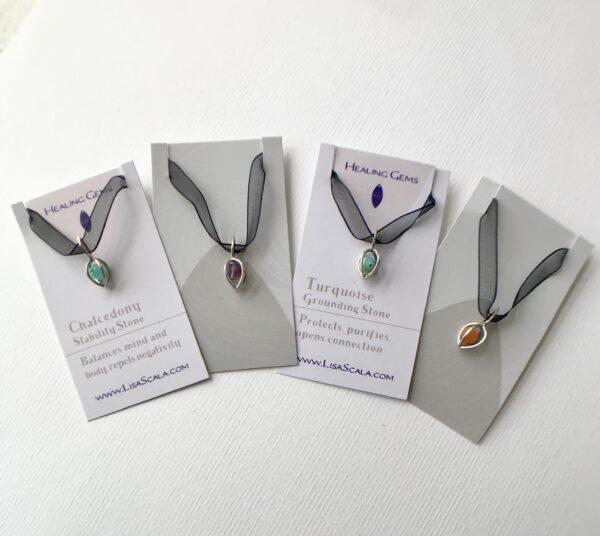 add a Gem Pod to a Necklace or bracelet