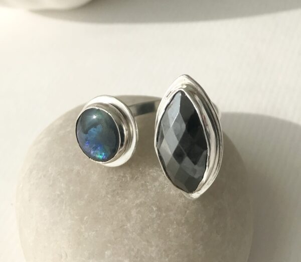 double stone ring hematite and paua
