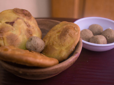 Karamani and Payaru Sweet Puran Kachori