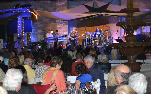 Thornton Winery fans enjoy the sounds of Peter White on 5/18/2013