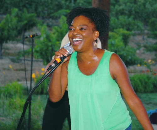 Singer Missy Anderson, performing at Europa Village in Temecula ©Todd Montgomery.