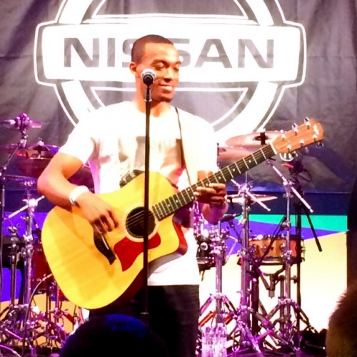 There may have been a few technical glitches, but Jonathan McReynolds worked through it, all smiles.  True  talent has a way of making it do what it do.