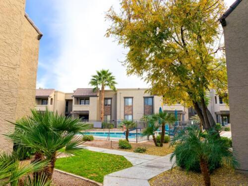 Emily Wertz, Realtor // 5995 N 78th St. Scottsdale, AZ 85250 // JustClickYourHeels.com