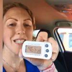 Une vétérinaire s'enferme dans une voiture en plein soleil pour alerter les propriétaires de chiens
