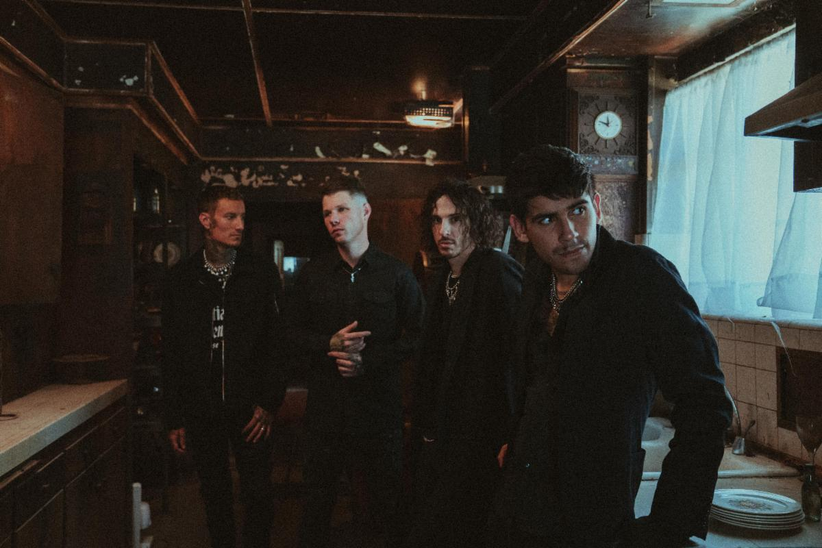 """CROWN THE EMPIRE Release New Track & OMV For """"In Another Life"""" Feat Courtney LaPlante"""