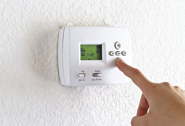 saving-energy-setting-thermostat-600