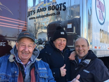 Glad to meet and support the good people who are in Ottawa today with the truck convoy supporting pipelines - February 19, 2019.