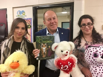 Participating in Read In week at Glengarry Elementary School - Oct 6, 2017