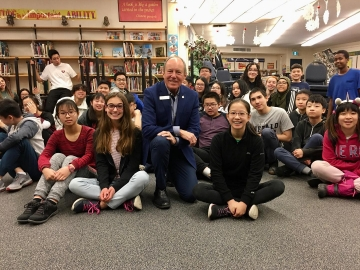 Talking-with-some-very-bright-kids-at-Londonderry-Junior-High-School-Nov.-15.-2019