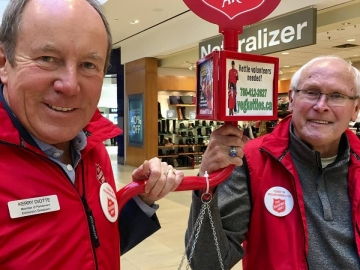 Volunteering at the Salvation Army kettle at Londonderry Mall - December 17, 2018