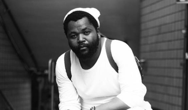 Fans Drag Sjava For Leaving Price Tag On At DSTV MVCA Awards