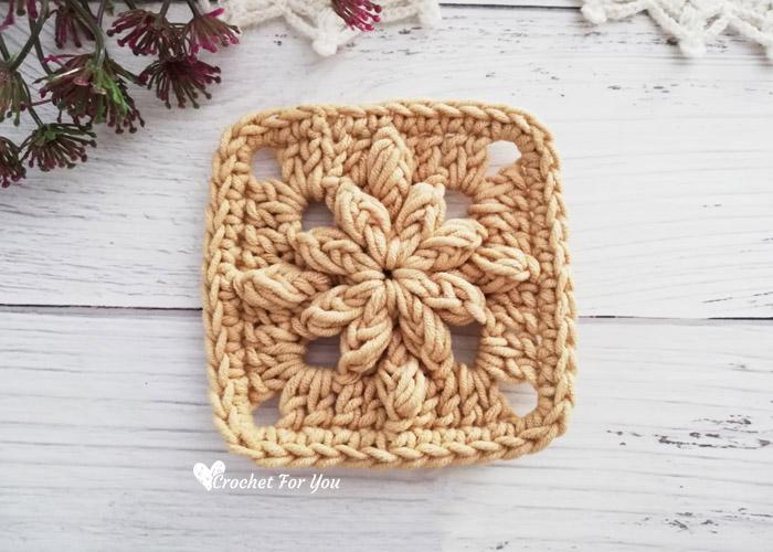 Crochet Bobble Drops Flower Granny Square in Solid Color