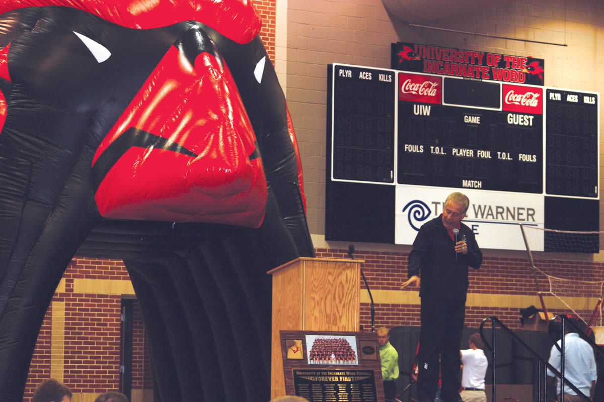 """UIW commemorates the """"Forever First"""" football team with a farewell banquet"""