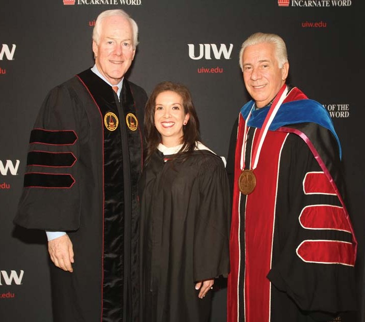 UIW celebrates the Class of 2015