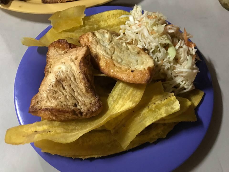 Las tradicionales tajadas con queso en Nicaragua