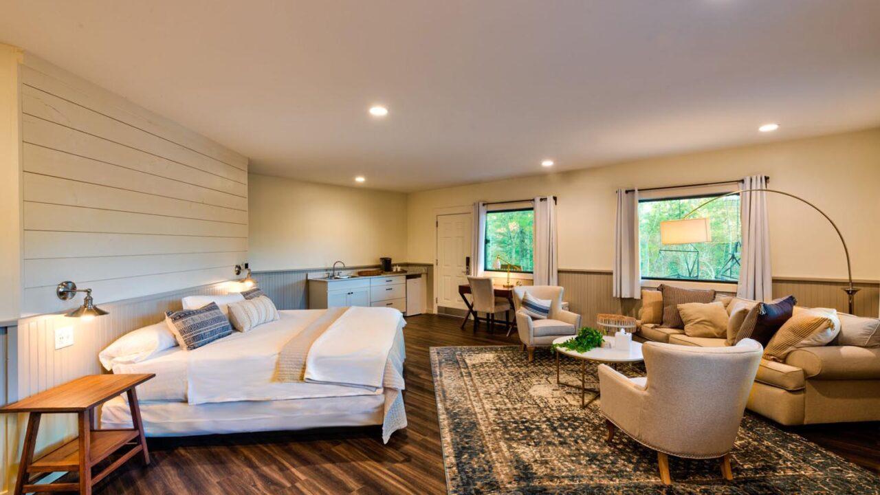 camp_woodlands_room2