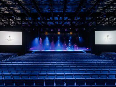 4-Interior-auditorium-gwinnett-church-hamilton-ill