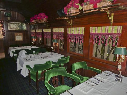 pacific-dining-car-victorian-theme