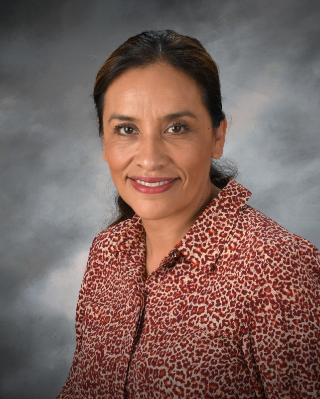 Woman Toddler Spanish Teacher at La Jolla Montessori school