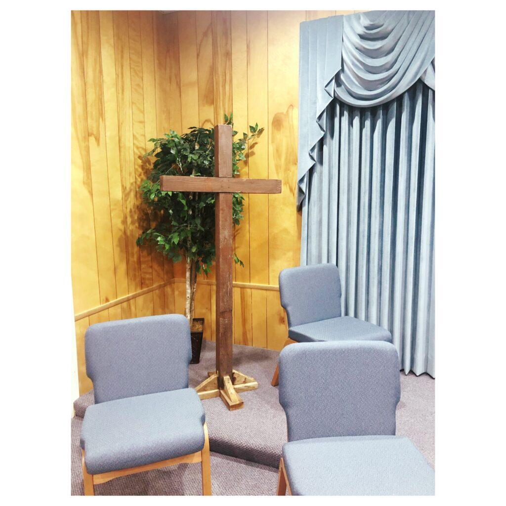 Photo of wooden cross at Woodrow Baptist ChurchPhoto of wooden cross at Woodrow Baptist Church