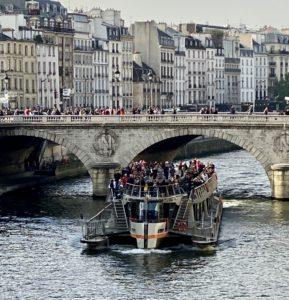 Cruise on Seine