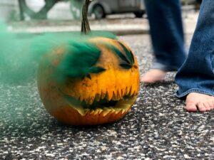 Halloween Vlog: Canna-Jack-O-Lantern + Smoke Bomb