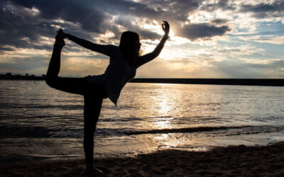 3 posturas de yoga para mejorar tu flexibilidad