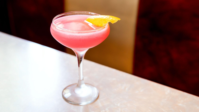 Article-Ultimate-Cosmo-Cosmopolitan-Cocktail-Recipe