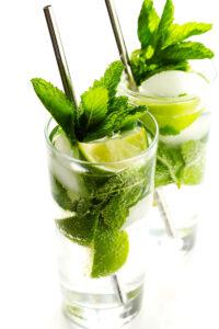 How-To-Make-A-Mojito-Recipe-Cocktail-Fresh-Honey-3