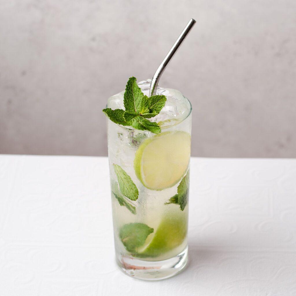 mojito-cocktail-recipe-759319-hero-01-662400394a744a7fb1f01196ce60c05c