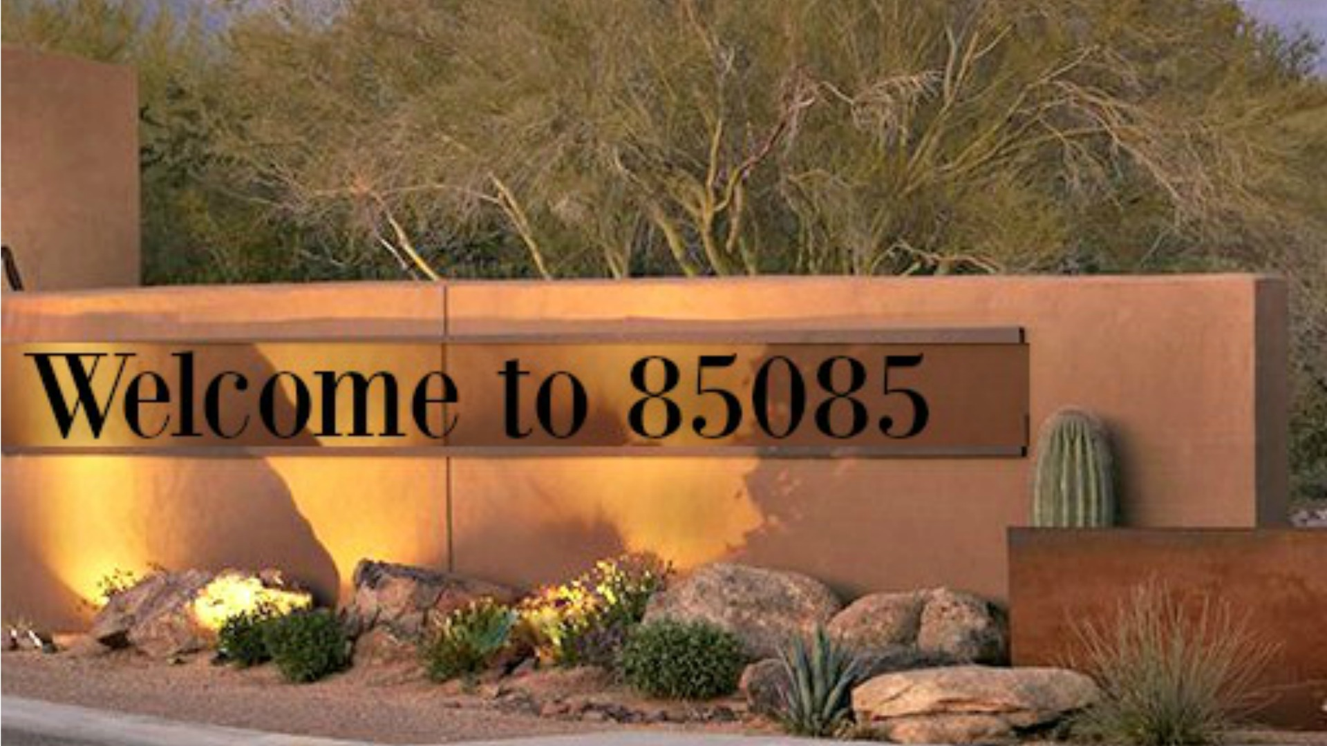 Monument sign that say welcome to 85085