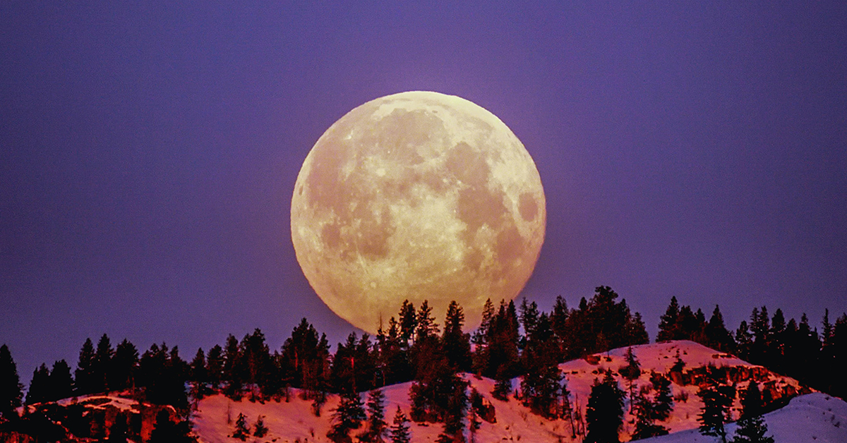 Your Astrological Guide to 2021's Full Moons