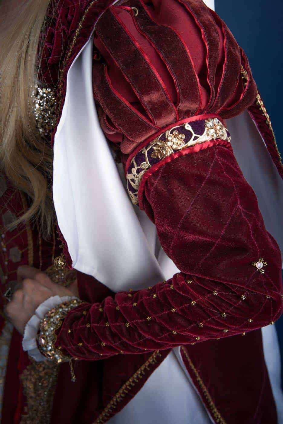 16th_century_costume_sleeve_detail3_miss_italy_multiverse