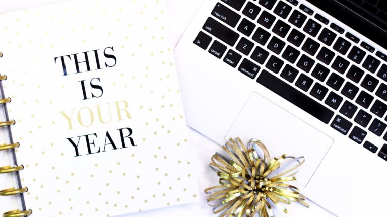 How to Actually Make and Keep New Year's Resolutions #2019Goals