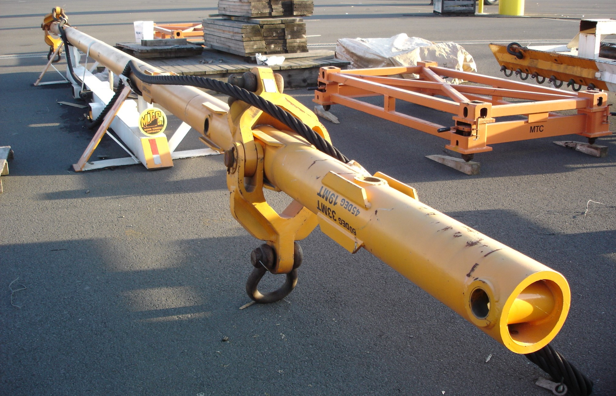 Custom Lifting Beam (Offloading windmills)