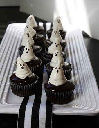 Cake with Ice Cream Ghosts