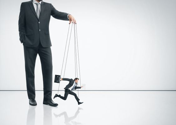 Control Freak Bosses Are Poor Managers
